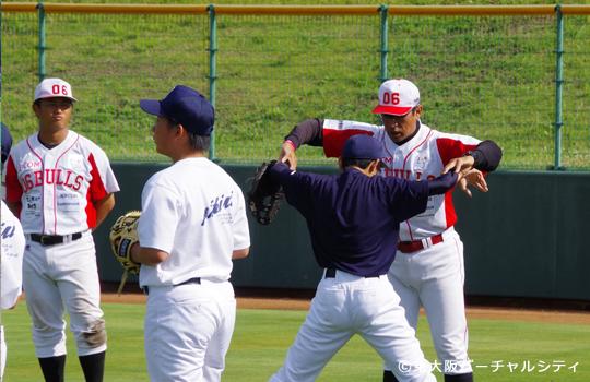 試合後は、来場の中学生野球部の皆さんに野球教室を開催