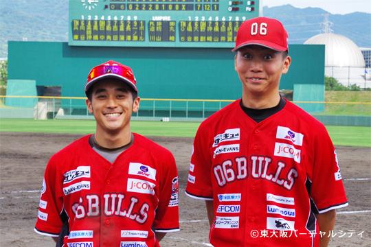この日のヒーロー、松尾と西尾。ともに村上監督の野球塾出身。