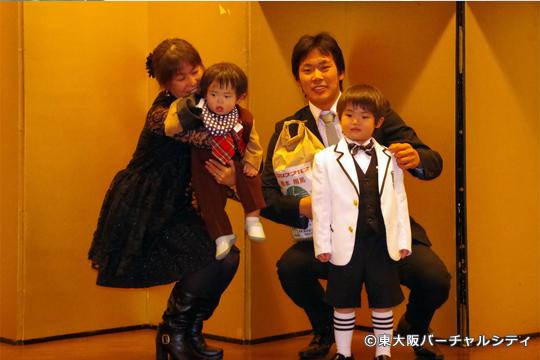 そして東大阪バーチャルシティからは軽本キャプテンへ 一年間お疲れ様でした^^