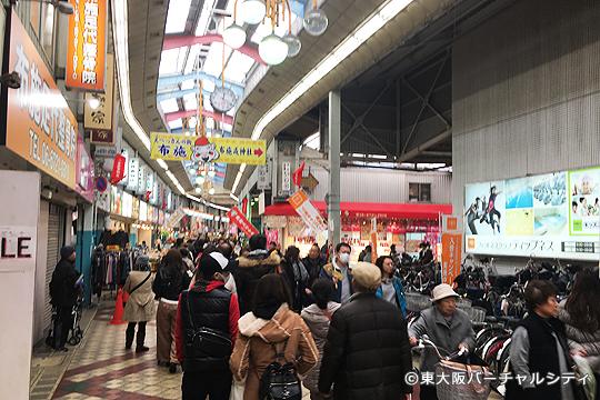 布施商店街も大勢の人で賑わってました