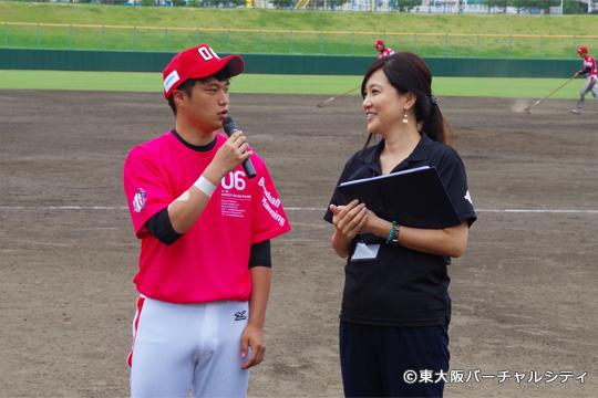 5回裏には前日に選手登録された高承元(コウスンウォン)が紹介されました。