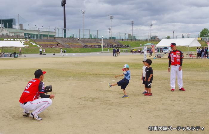 06ブルズ。村田監督と全選手が参加して子供たちと楽しみました