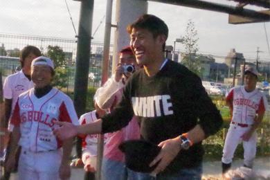 村上監督の甥っ子である広島東洋カープの中田廉投手が応援に駆け付けていました